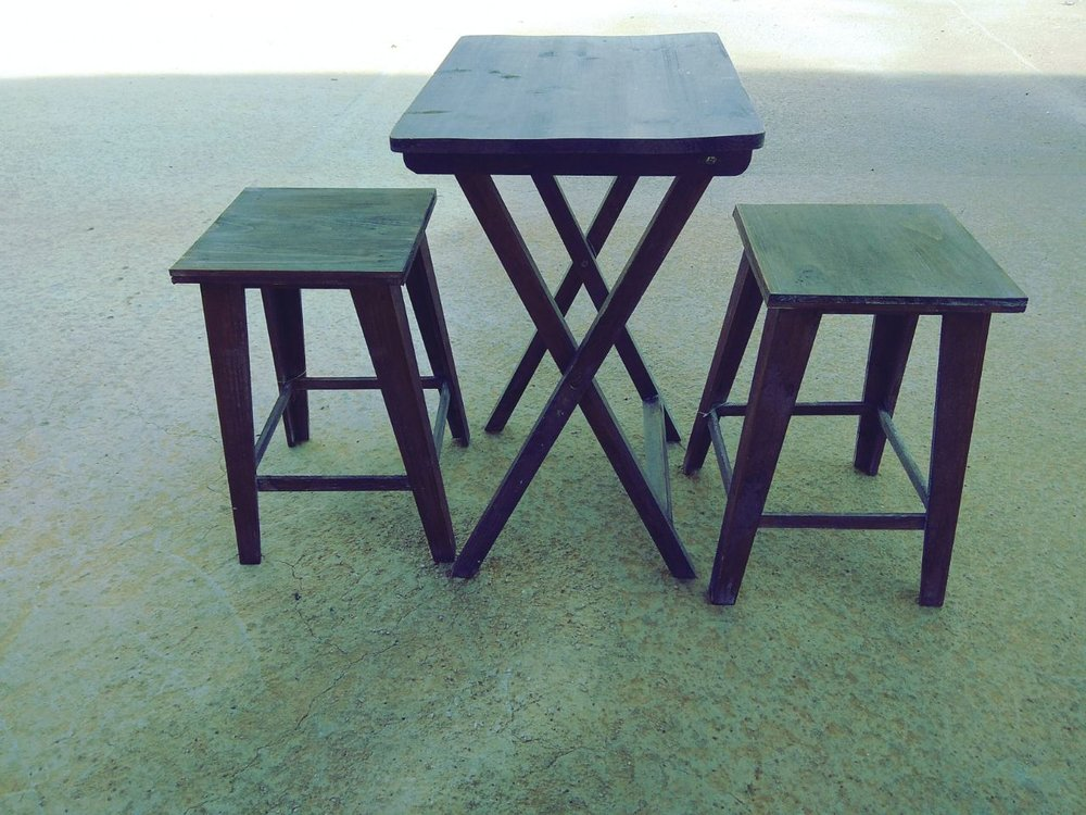 BISTROT TABLE & STOOLS -50%1 SET LEFT - DIMENSIONS (TABLE): 36*48*62(STOOLS): 30,5*30,5*46