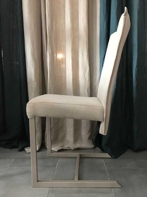 CHAIR -30%1 PC LEFT - DIMENSIONS: 40*40*90
