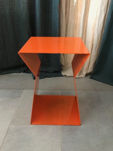 SIDE TABLE -30%1 PC LEFT - DIMENSIONS: 30*30*50