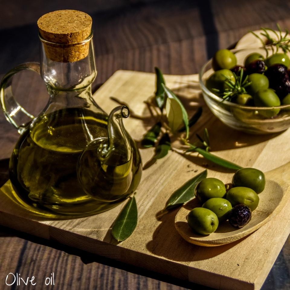 sporus olive oil.jpg