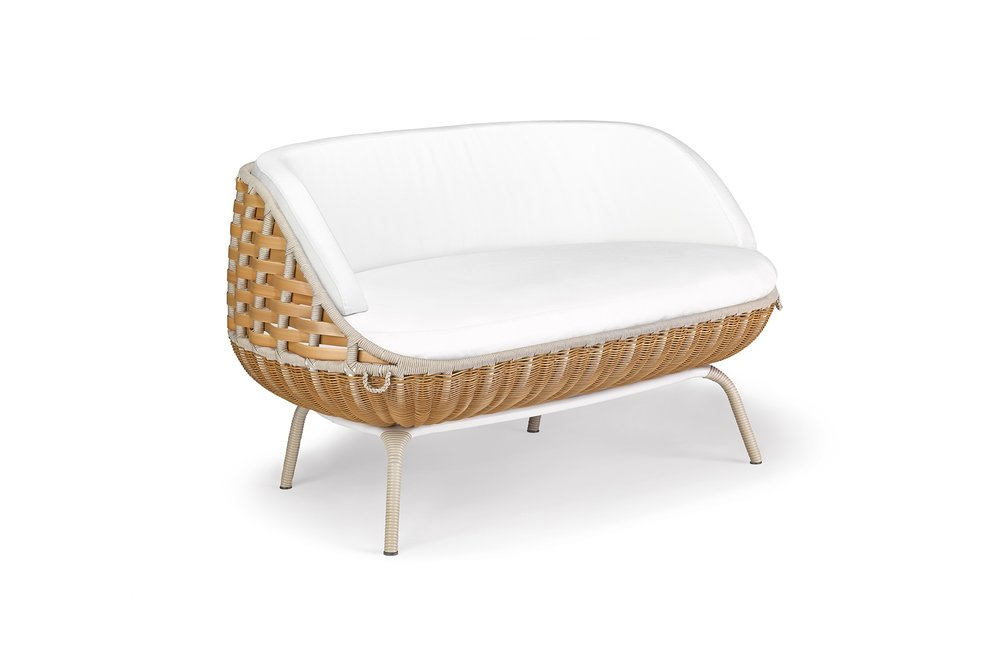 ART GEOUP OUTDOOR SOFA.jpg