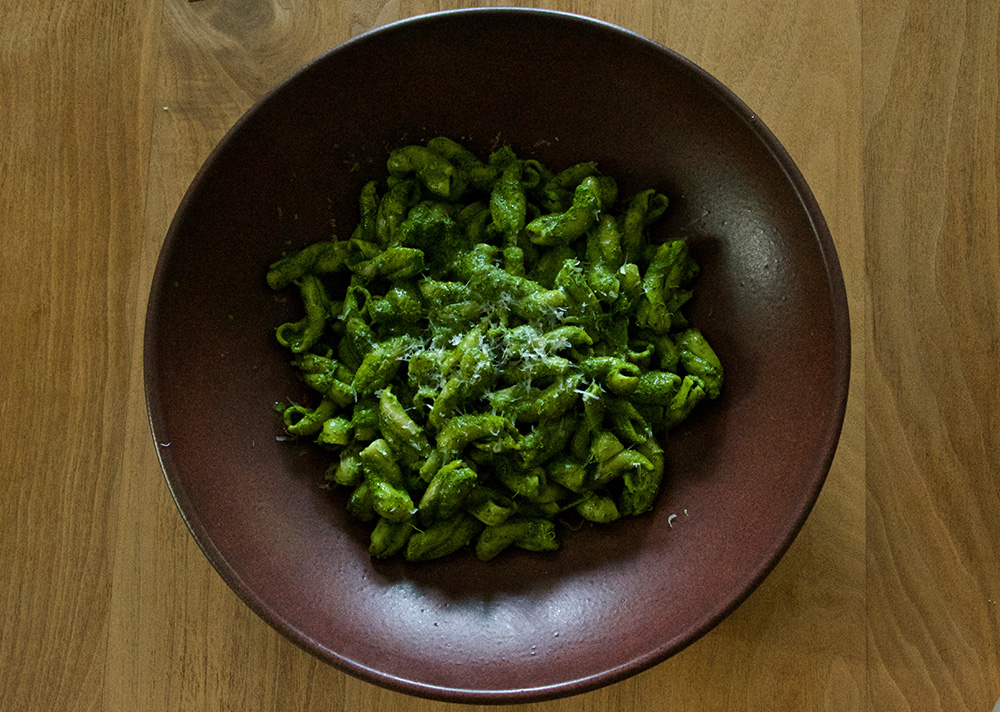calmwithinthestorm--Spring-Pasta-Garlic-Pesto--005