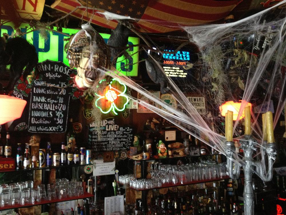 Halloween-Decorations-1-sm.jpg
