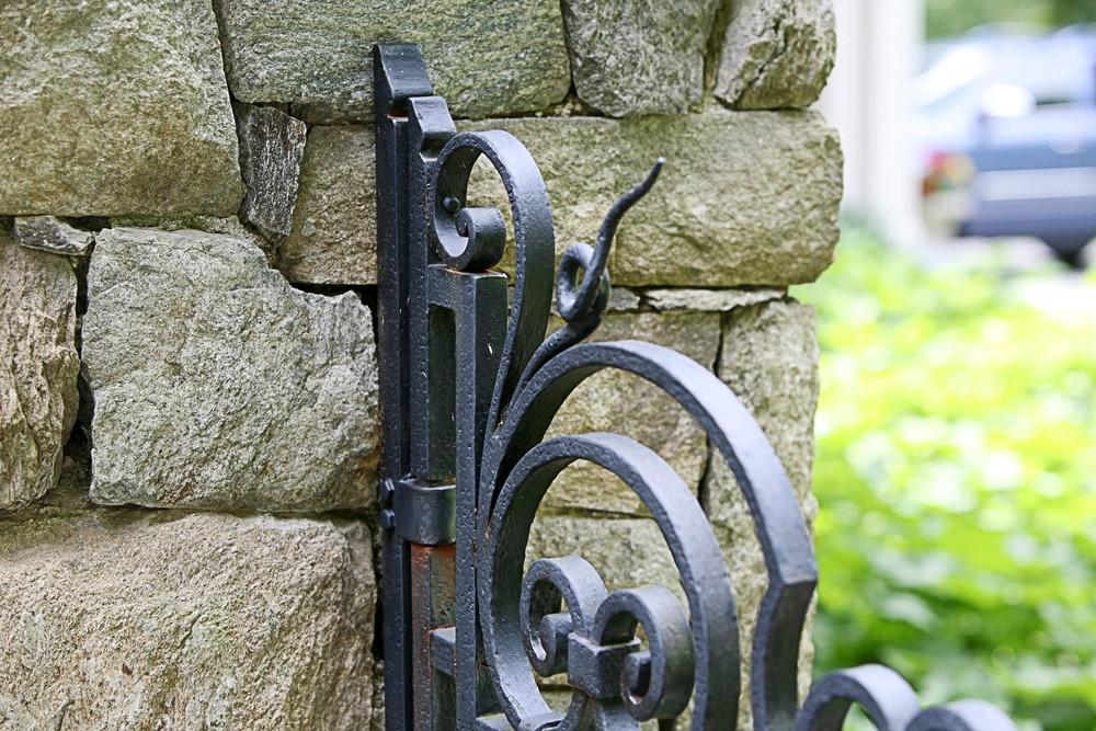 gate_detail.jpg