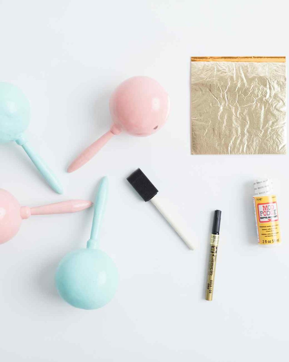 gilded-maraca-DIY-materials-0418_vert.jpg