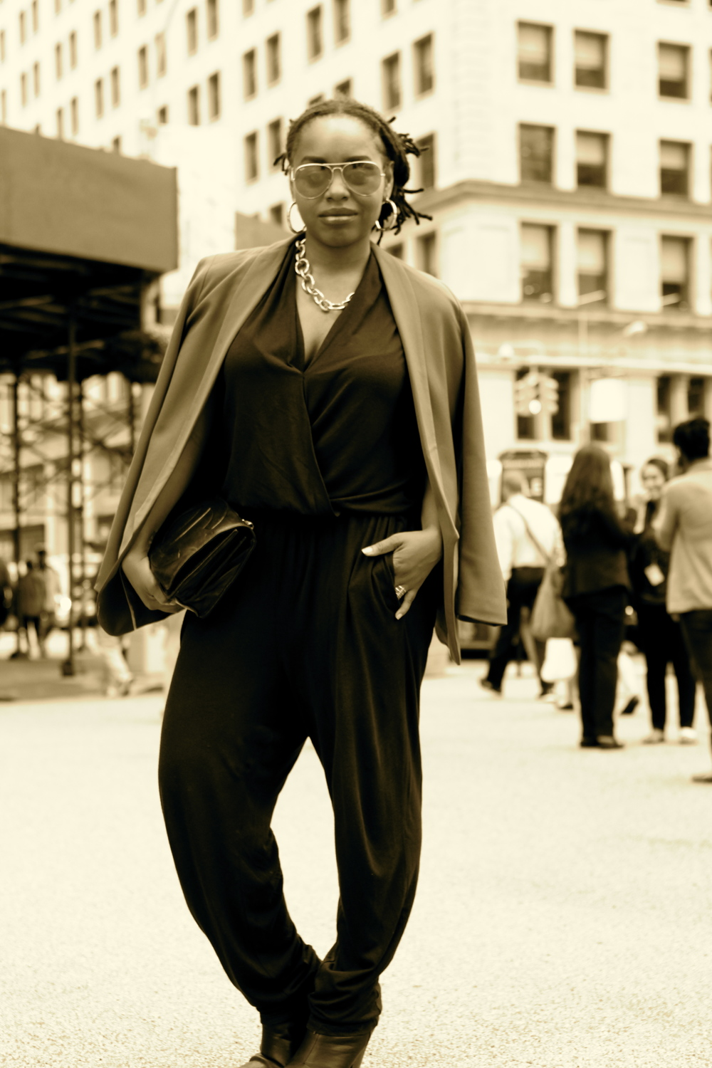 Jumpsuit: Marshalls,  Blazer: H&M, Necklace: Julie Vos, Ring: House Of Harlow,                                                             Sunglasses: Rayban, Bag: Chanel, Shoes: Rag & Bone