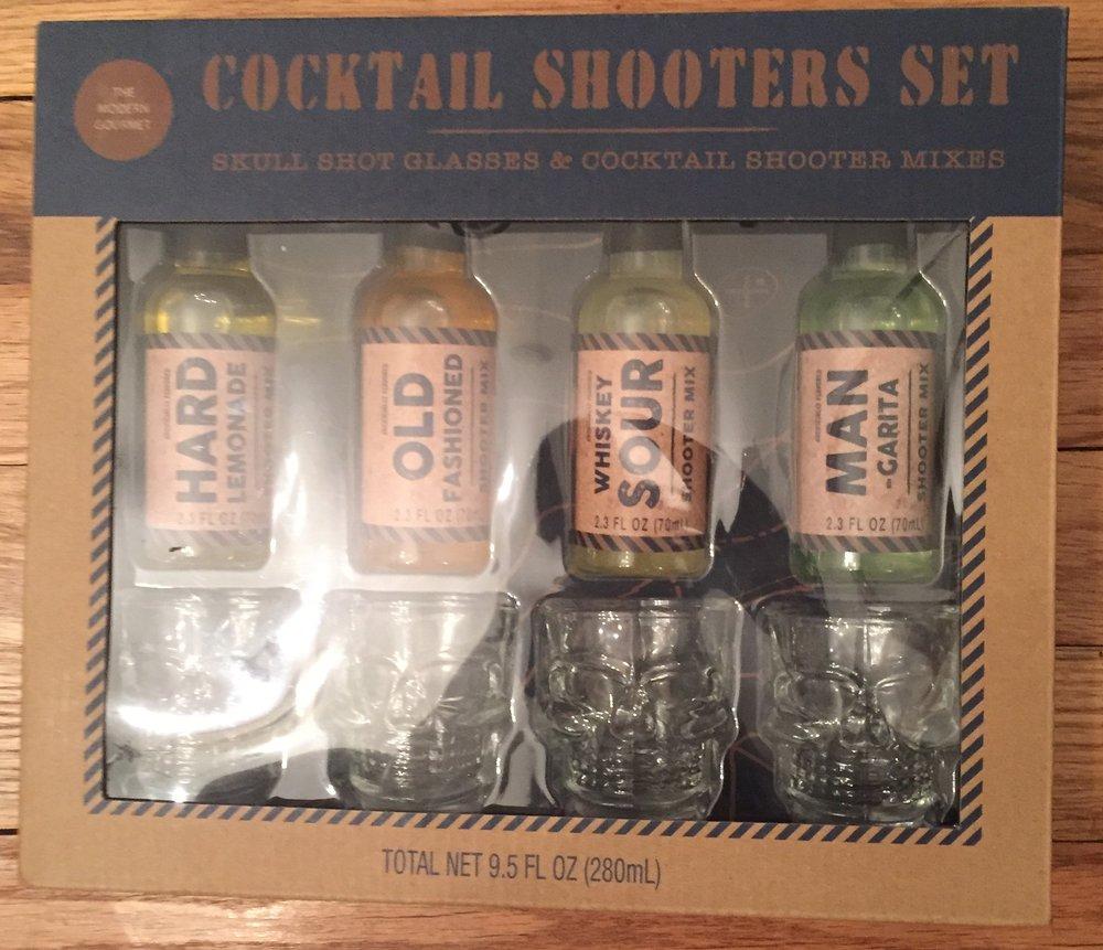 Skull shot cocktail shooters set