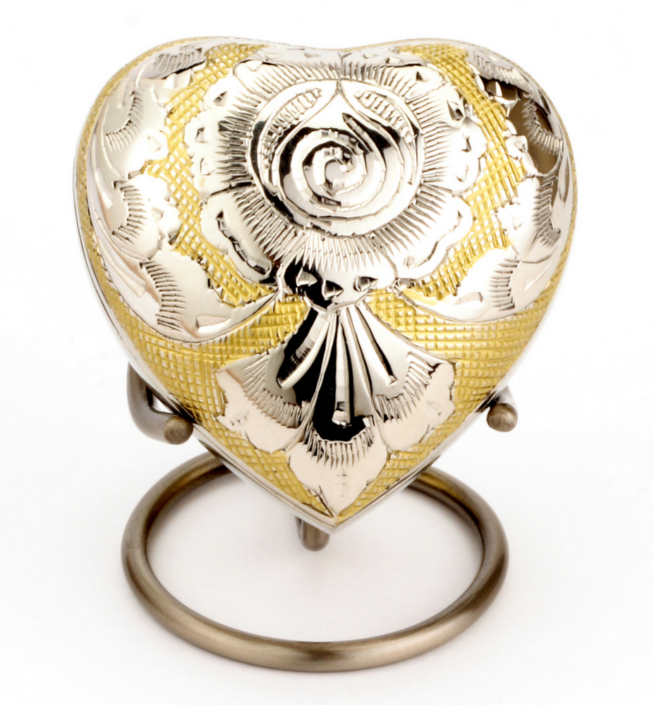 Heart%25203%2520inch%2520Devon%2520Gold%2520%25282%2529.JPG