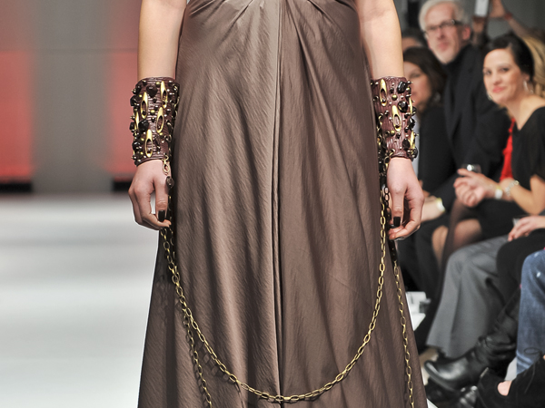 BURGUNDY_CUFF_CLOSEUP.jpg