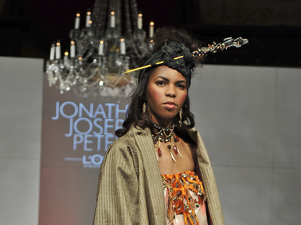GREEN_CUTOUT_M_TEETH_CROP.jpg