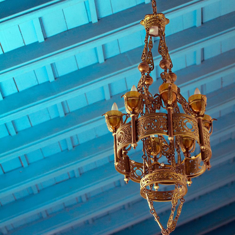 chandelier_6x6.jpg