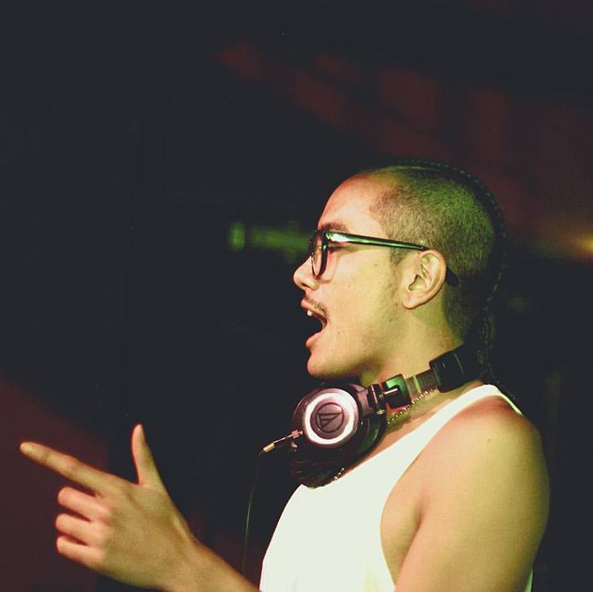 JONO CRUZ | VBRTR/DJ - Top Albums of 2017:Mura Masa - Mura MasaHNDRXX - FutureGossip Columns - Marc E BassyArtist:AminéSong:1 Night (feat. Charli XCX) - Mura Masa