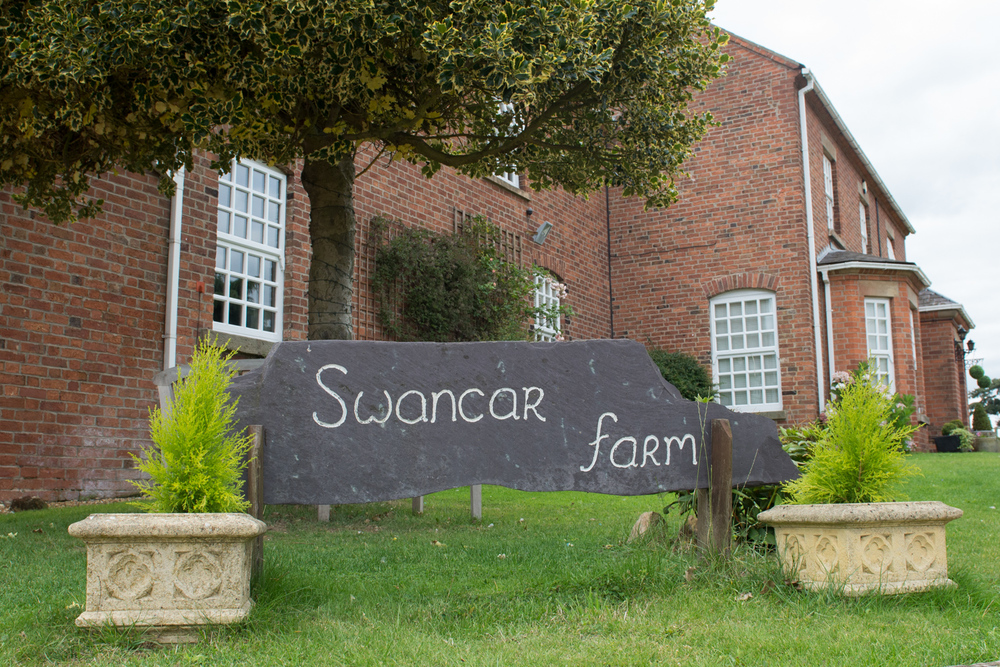 Sarah and nigel swancar farm wedding-55.jpg