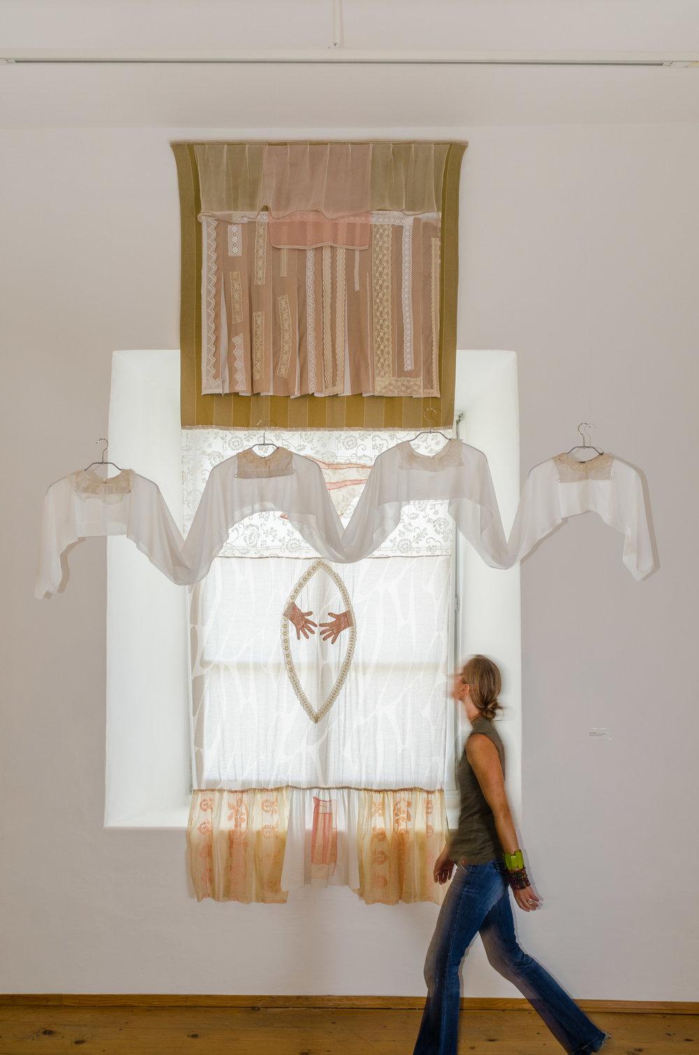MANDORLA, Hofburg Brixen (I) 2011  Textile Arrangement/Installation