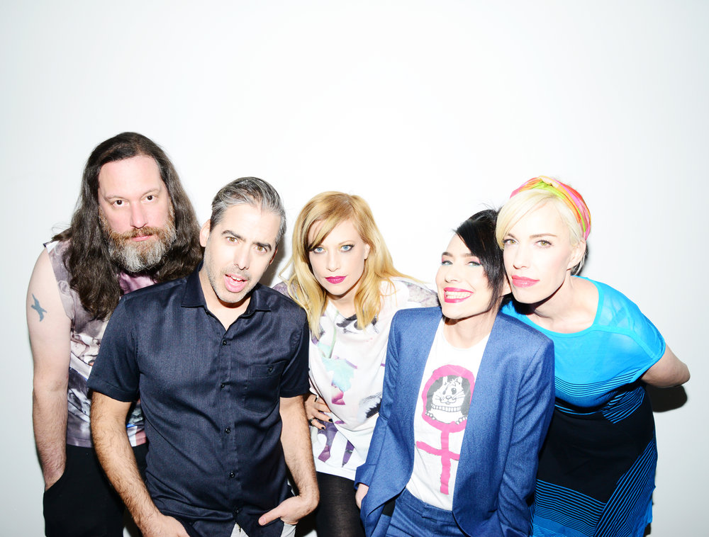 The Julie Ruin - L-R: Kenny Mellman, Carmine Covelli, Sara Landeau, Kathleen Hanna, Kathi Wilcox. Listen To AudioBand Website