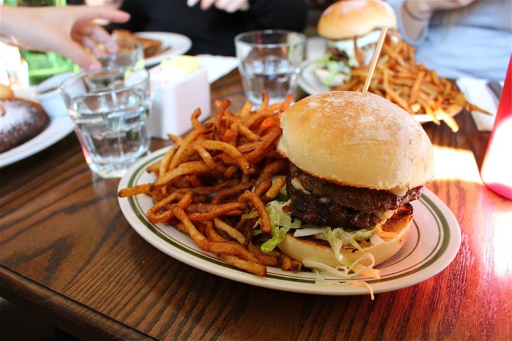 Pub & Kitchen's Burger