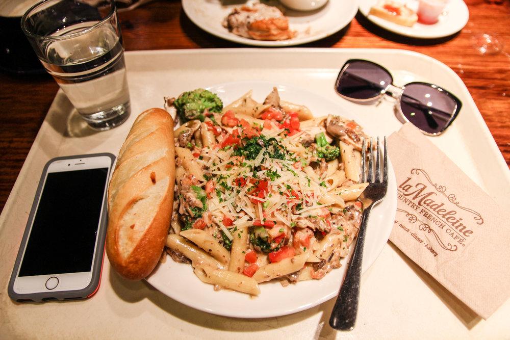 Pasta la Madeleine with Chicken