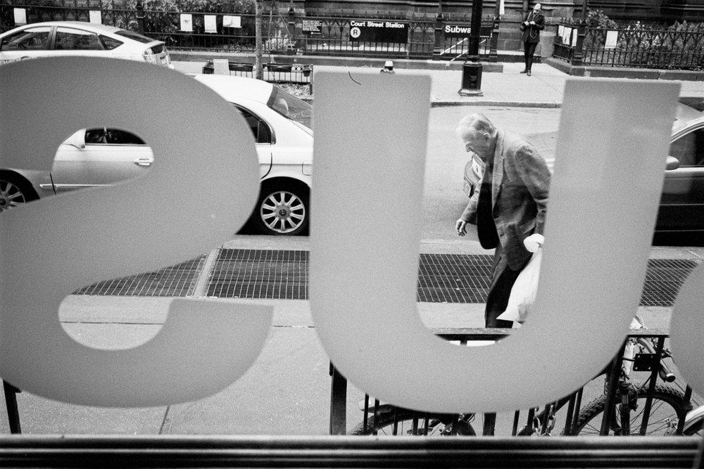 New_York_City_Leica_m6_Street_35mm_Scan.jpg