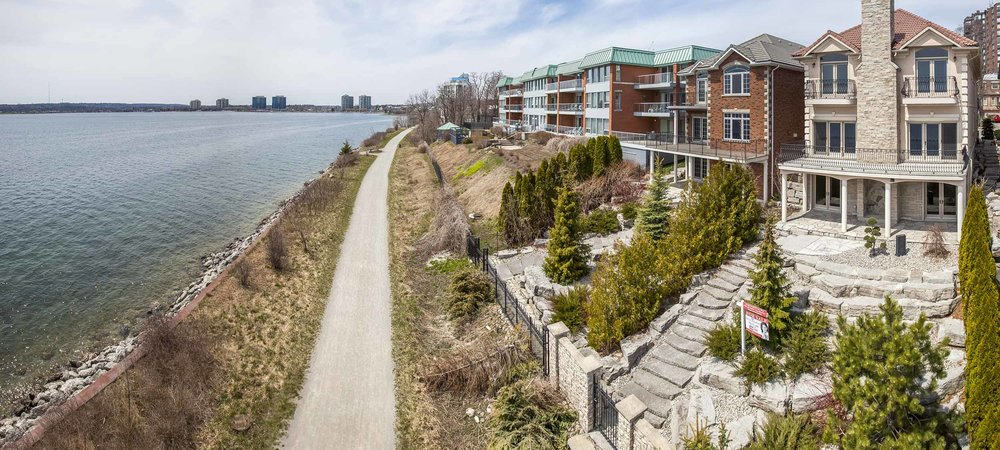 BARRIE WATERFRONT LISTING