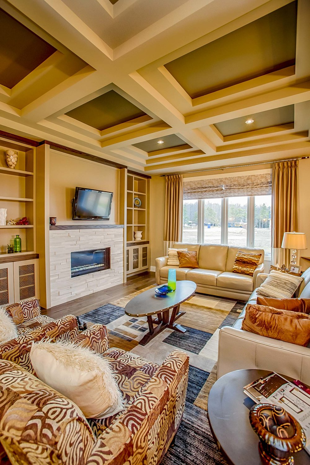 THOSE CEILINGS!