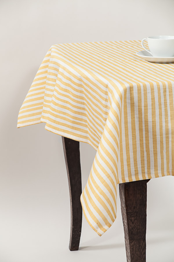 Mini-stripe tablecloth in Anise.