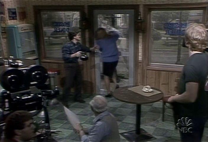 1983-11-1294.jpg