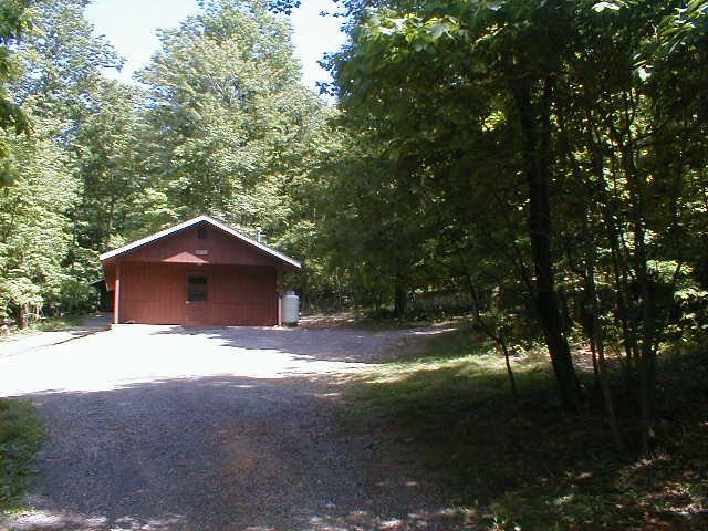 campmay04staffmeeting 029.jpg