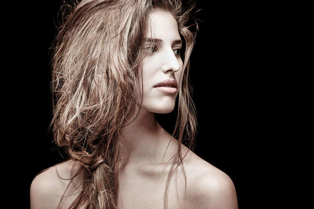 Casey-Kinney-Fashion-Beauty-Test-04.jpg