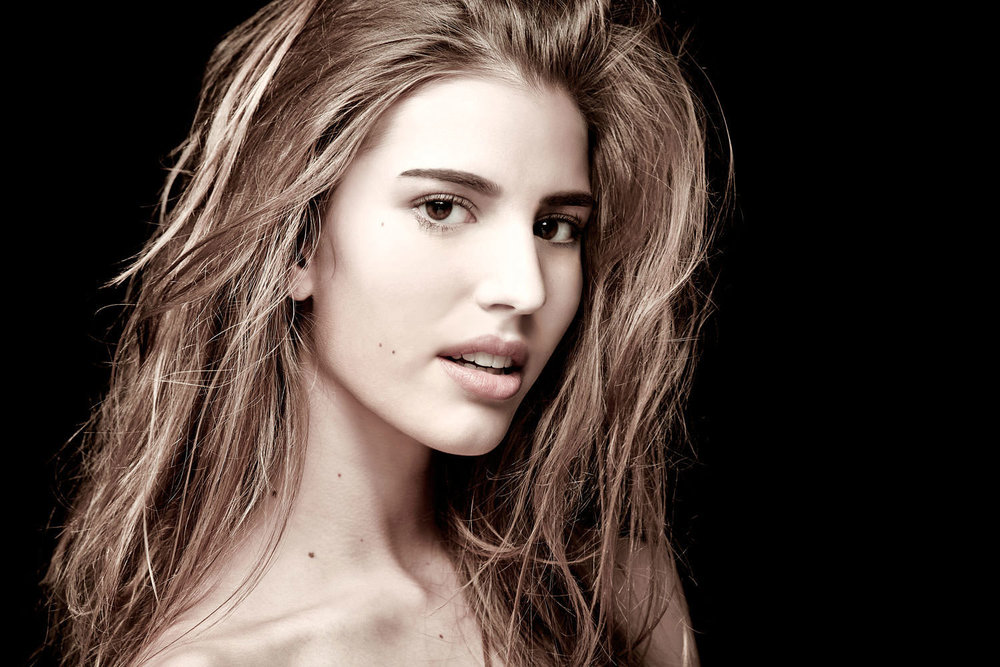Casey-Kinney-Fashion-Beauty-Test-05.jpg