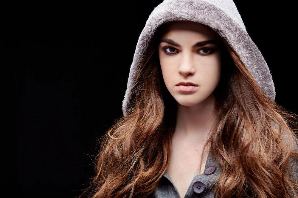 Casey-Kinney-Fashion-Beauty-Test-19.jpg