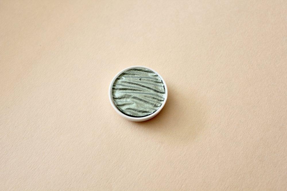 LR00105 Mint  30mm ($8)