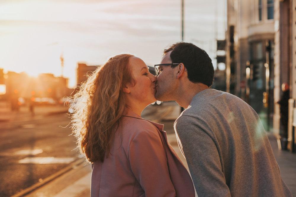 Sun set kiss