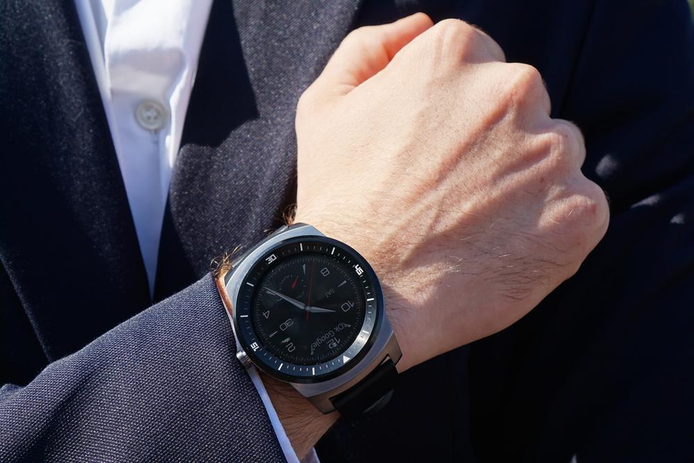 Die LG Watch R, ein mittlerweile schon etwas älteres Modell unter den Smart-Watches.