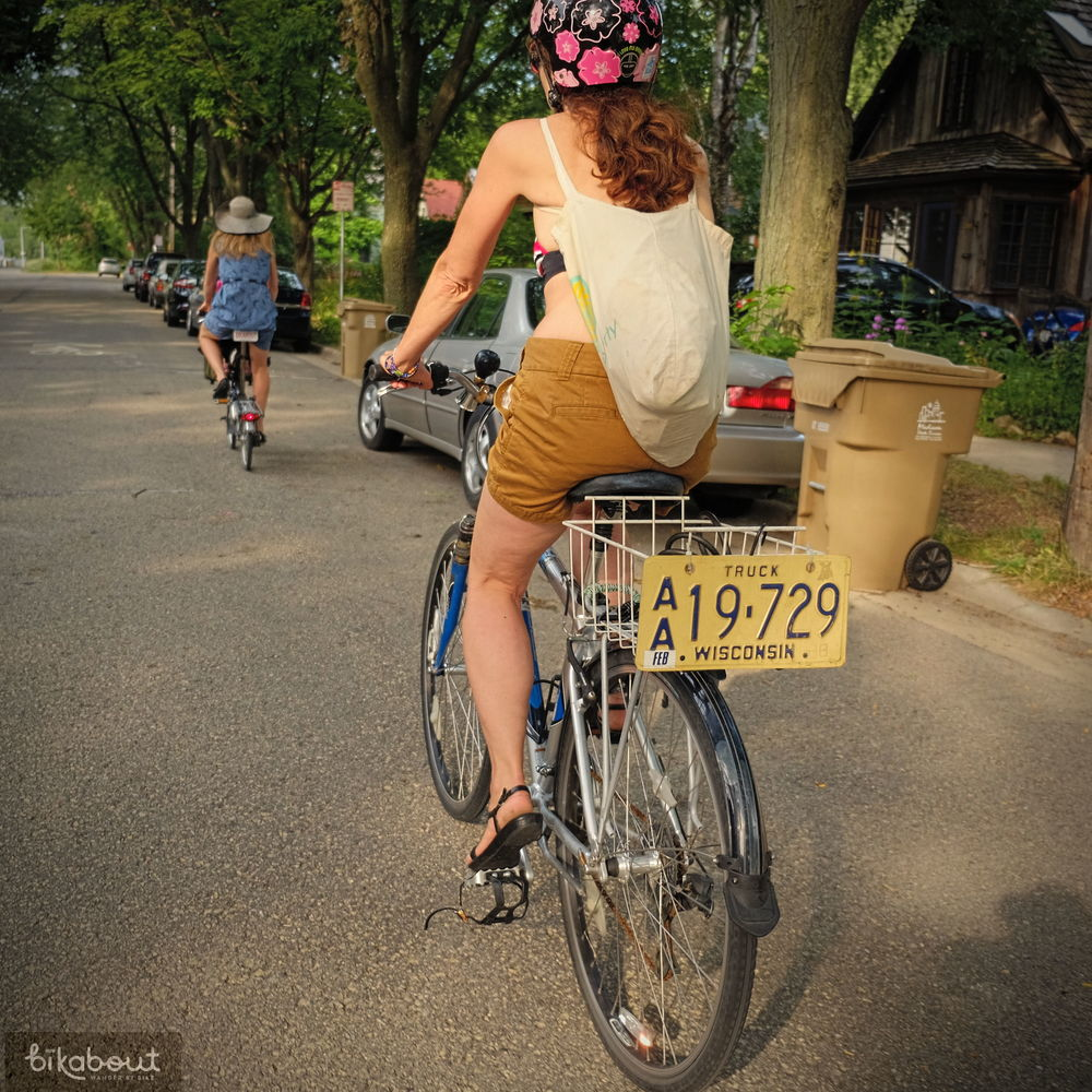 Bicycle boulevards through Madison neighborhoods