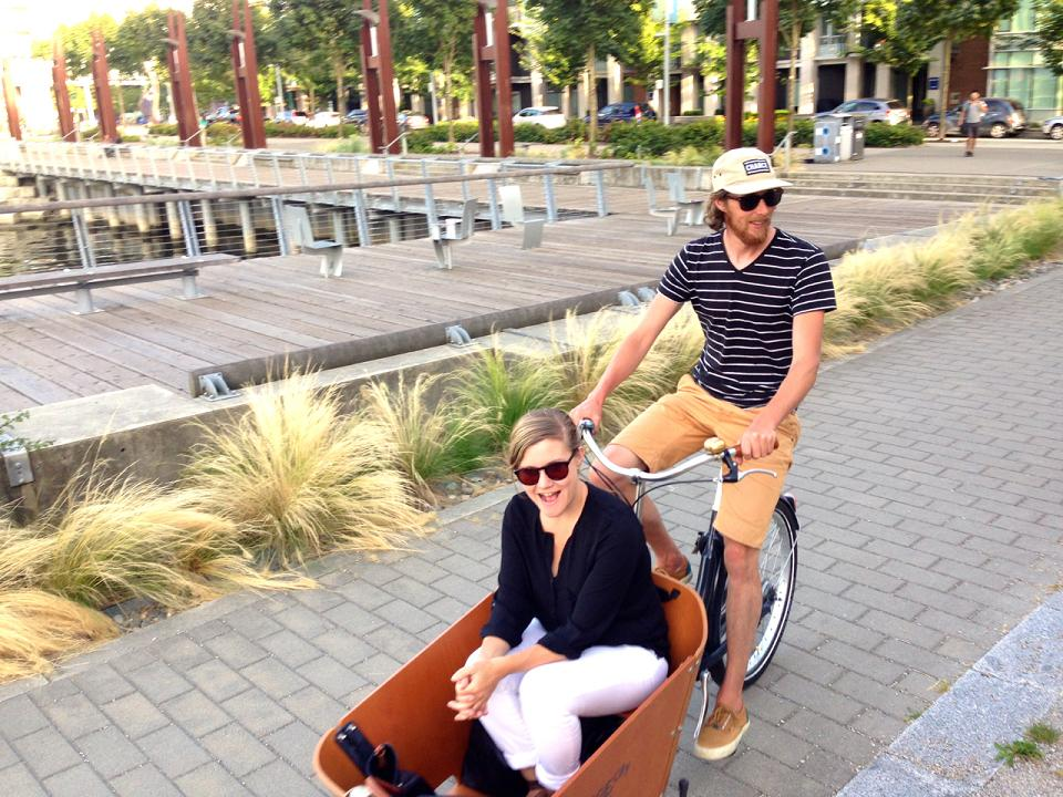Route curator, Jonathan and his wife, Dianna, having fun in their bakfiets