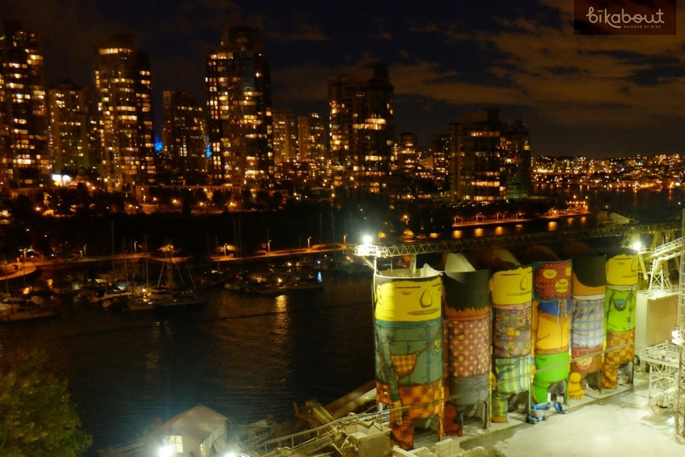 "OSGEMEOS ""Giants"" mural is spectacular against city skyline at night"