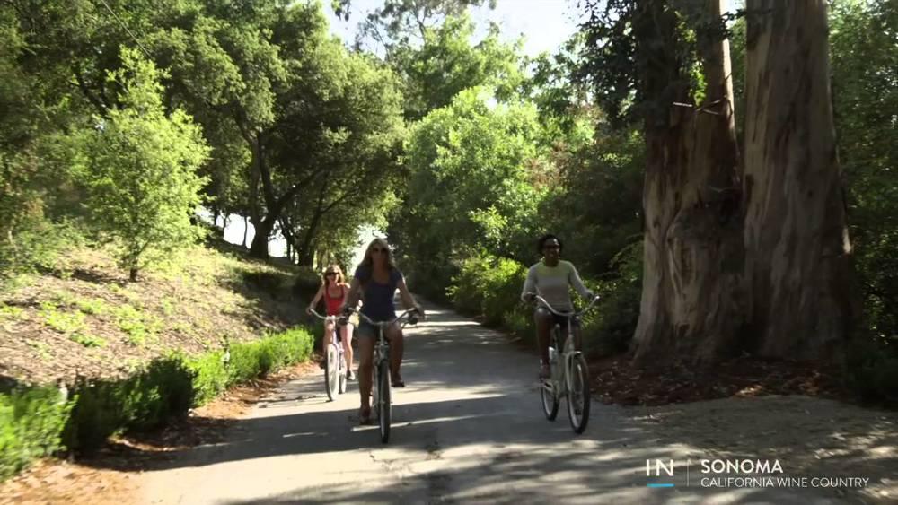 Relaxed biking through Sonoma. Photo by Inspirato
