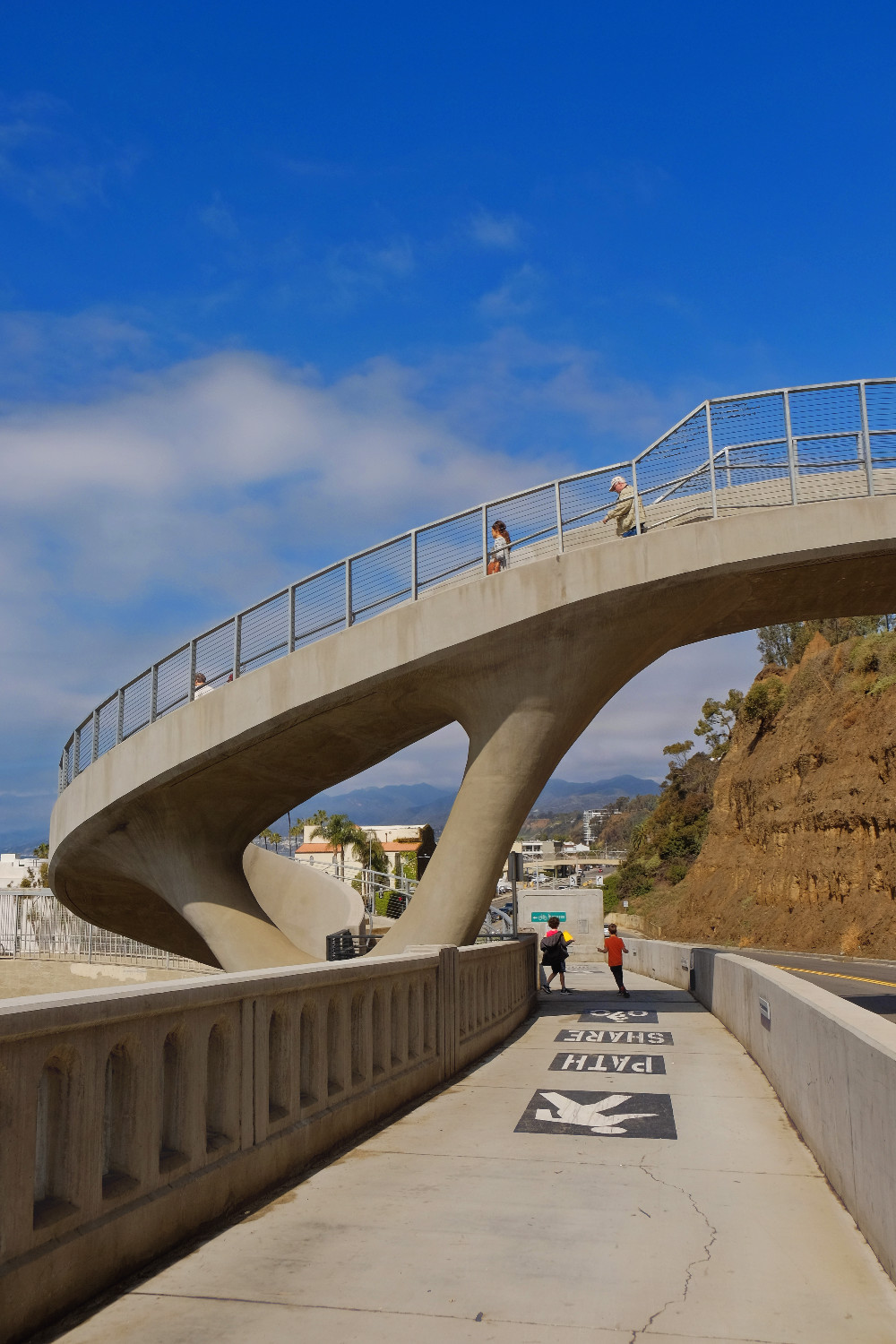 California Incline path brings you down or back from the Ocean Front Trail.