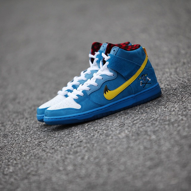 Familia-Skate-Shop-x-Nike-SB-Dunk-High-BlueOx.jpg