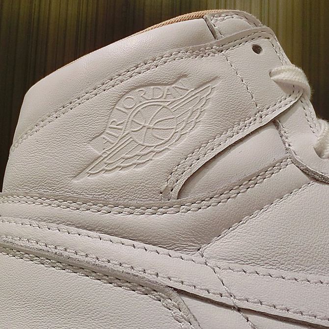 Air-Jordan-1-High-Los Angeles-3.jpg