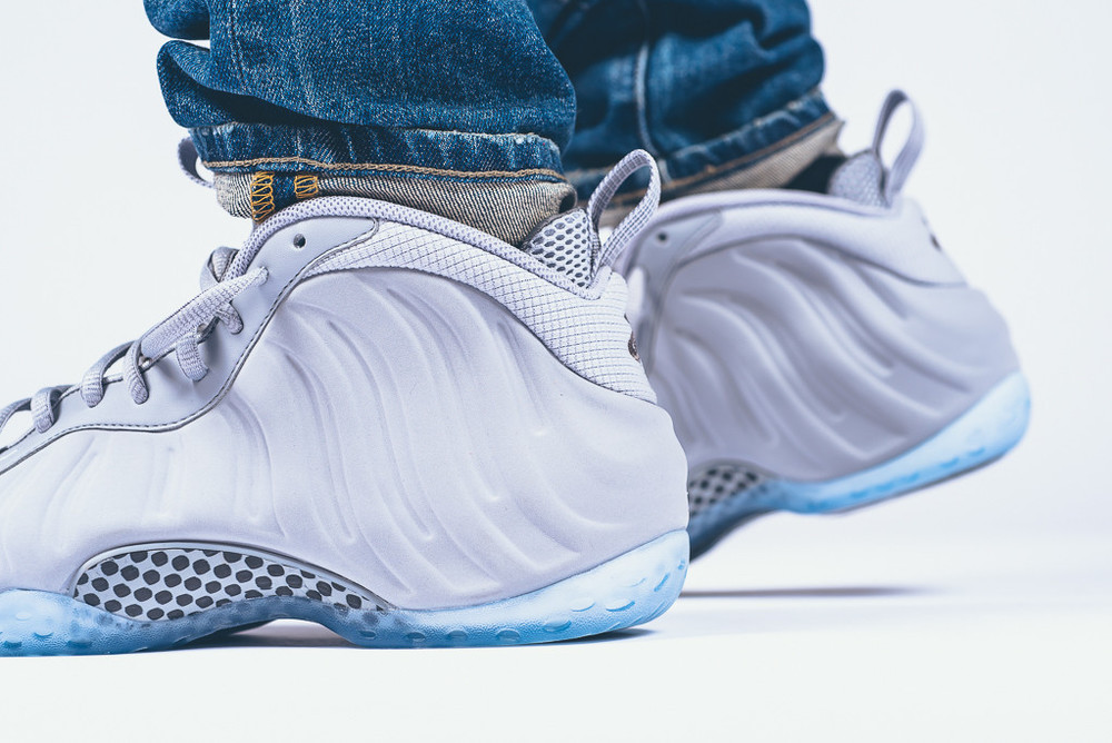 Nike-Air-Foamposite-1-Wolf-Grey-suede-6.jpg