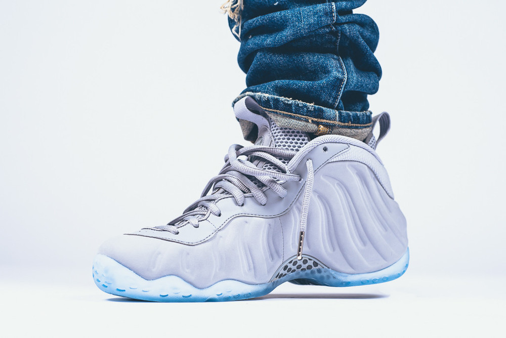 Nike-Air-Foamposite-1-Wolf-Grey-suede-2.jpg