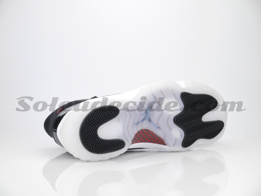 72-10-air-jordan-11-new-photos-5.jpg