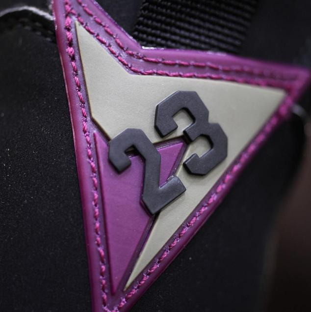 Air-Jordan-7-Bordeaux-retro-2015-7.png