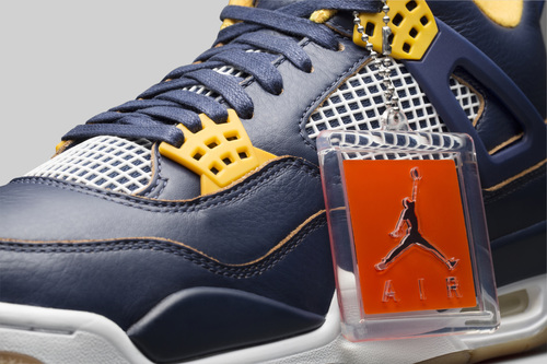"""8fc27fc74b17 Detailed Look at the Air Jordan 4 """"Dunk From Above"""" + Release Info ..."""