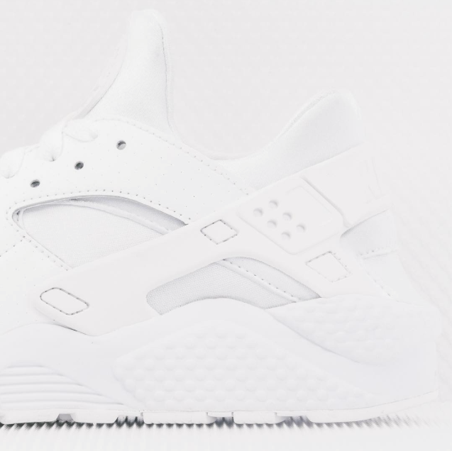Nike-Air-Huarache-all-white-03.png