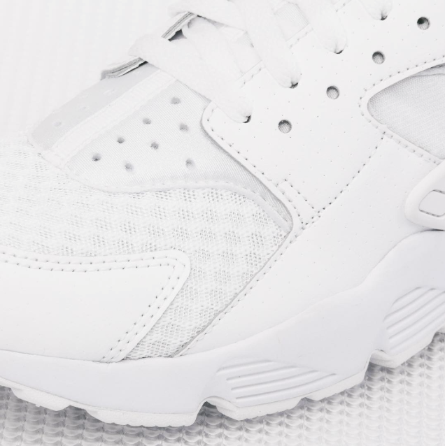 Nike-Air-Huarache-all-white-02.png