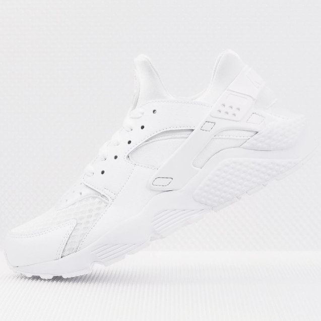 Nike-Air-Huarache-all-white-01.png