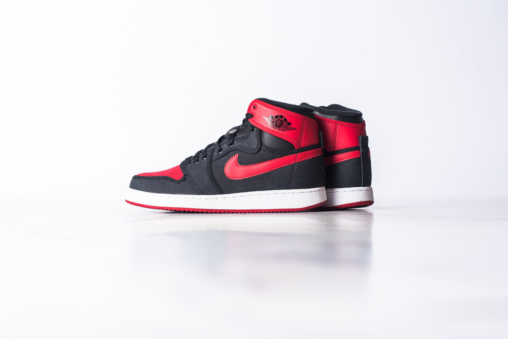 AJ1_KO_High_OG_Black_Red_03.jpg