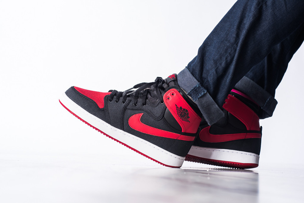 AJ1_KO_High_OG_Black_Red_02.jpg